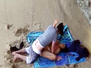 Flagra Nas Areias Da Praia De Santos SP