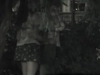 Casal flagrado fazendo sexo na rua após noite de balada