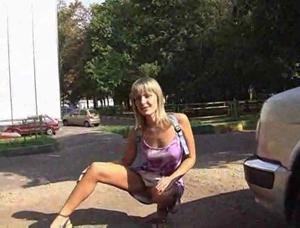 Namoradinha Sem Calcinha Em Locais Públicos