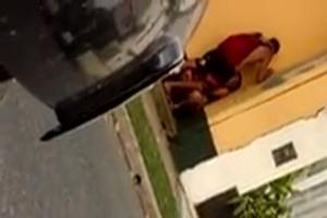 Moça Flagrada Fodendo Com Namorado Na Rua