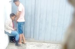 Estudante Puta Foi Flagrada Pagando Boquete No Portão De Casa - http://www.flagras.blog.br