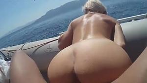 Sexo No Mar Com Loira Gostosa De Bunda Grande Que é Um Tesão