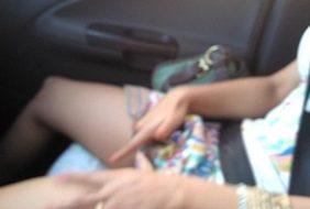 Gostosinha Se Masturba No Banco Da Frente Do Carro Do Vizinho