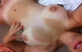 Novinha Bronzeada Pelada