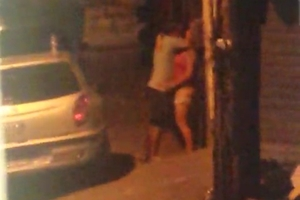 Flagra Vizinhos Metendo Na Porta De Casa Sem Perceberem Que Estão Sendo Filmados