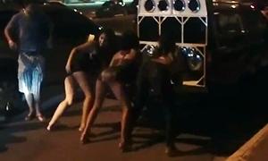 Rampeiras Faveladas Gostosas São Flagradas Dançando Semi Nuas