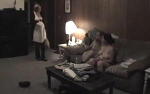 Mulher Grávida Flagra Marido Transando Com a Sobrinha No Sofá