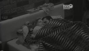 Flagra De Sexo No Big Brother Brasil – Cacau e Mateus Transando No BBB16
