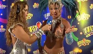 Famosas flagradas peladas durante desfile de carnaval brasileiro