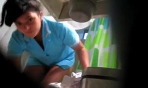 Novinhas flagras – Novinha percebe que estava sendo filmada escondido