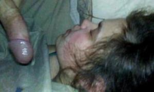 Porra no rostinho da namorada dorminhoca gostosinha
