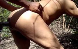 Sexo gay no meio mato entre dois vizinhos bem gostosos
