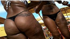 Flagra rabudas amadoras de biquíni na praia do Rio De Janeiro RJ
