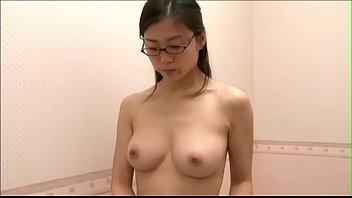 Japonesa flagras gostosa de peitos redondinhos