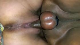 Esporradinha dentro da buceta da negra gostosa nua