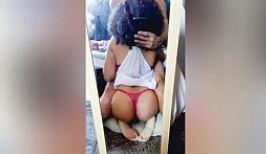 Novinha chupando rola tem sexo oral filmado escondido