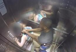 Flagra comendo puta no elevador do prédio que mora